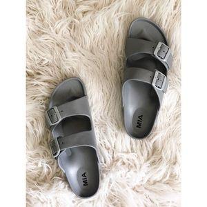 MIA | PLASTIC SILVER SANDALS Size 10